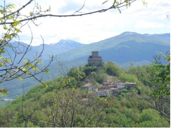 Il Castello malaspiniano di Oramala (Varzi, Pv)
